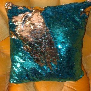 Pier 1 blue/gold sequins accent/throw pillow